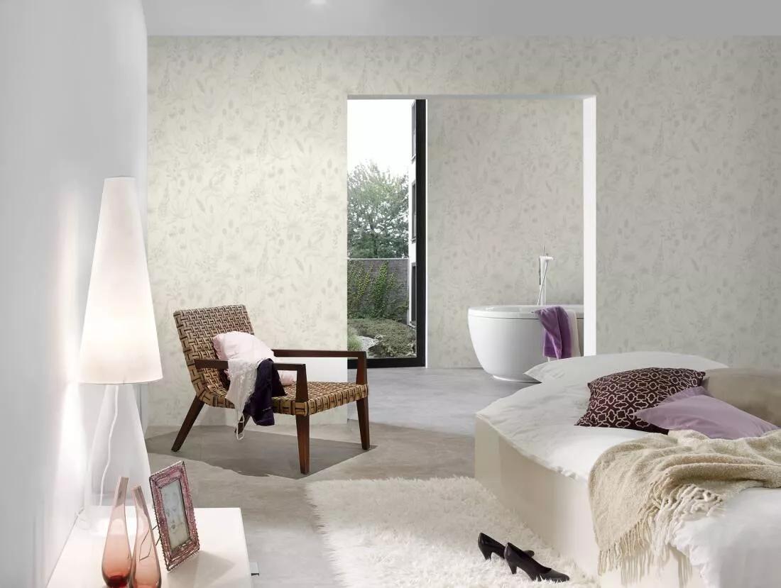 Bézs-fehér provanszi hangulatú virágmintás tapéta