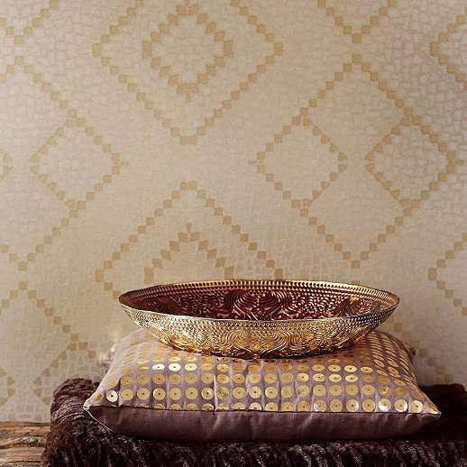 Eijjfinger Yasmin világosszürke-arany színű tartán stílusú tapéta.