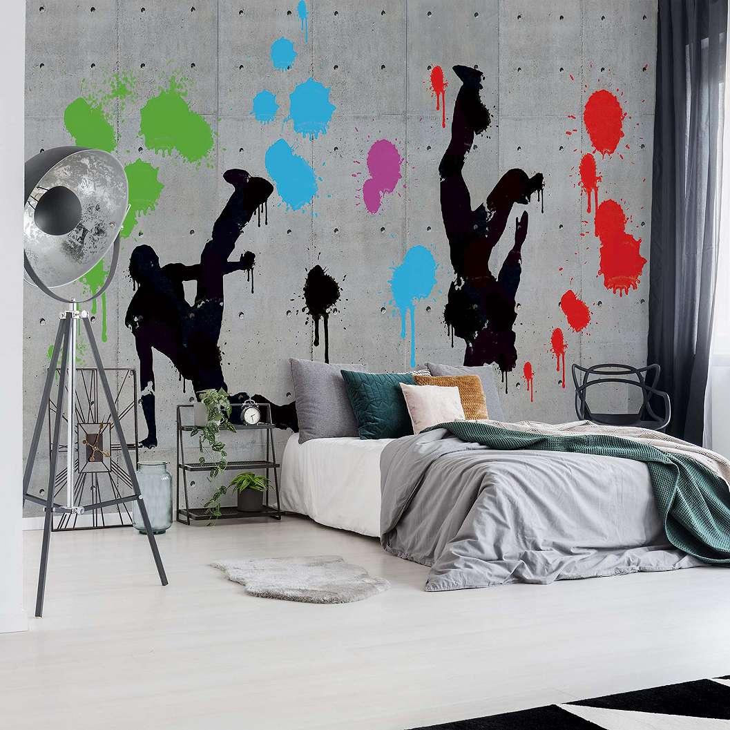 Fali poszter freestyle graffiti stílusban, betonfal alap mintával