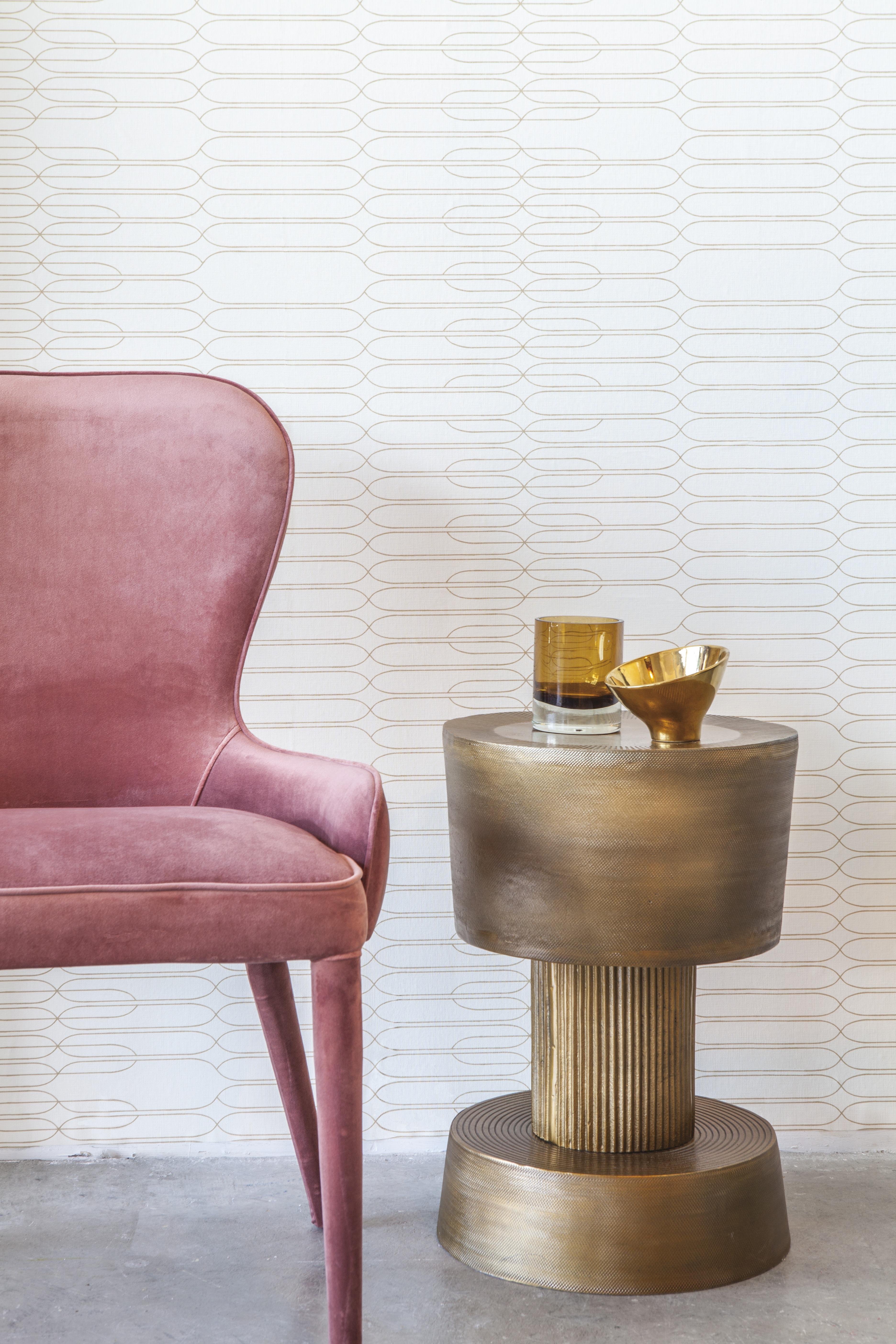Minimalista tapéta krém alapon arany geometriai mintákkal