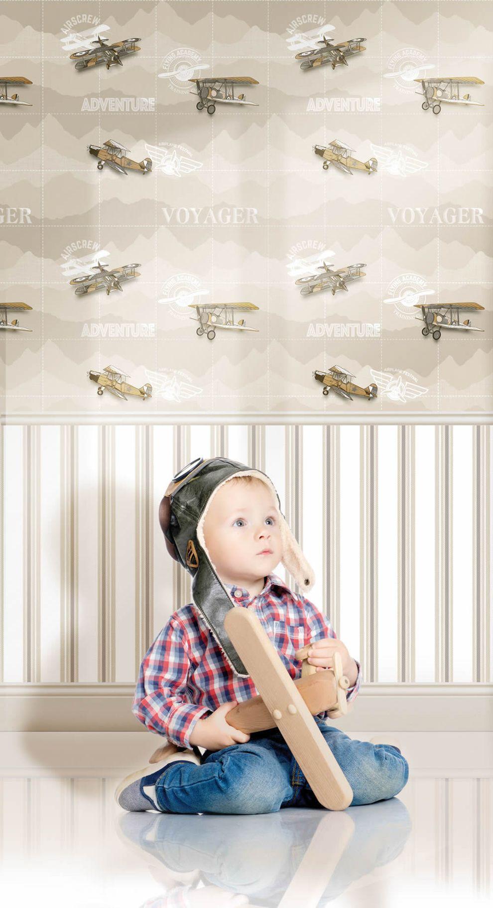 Repülő mintás tapéta gyerekszobába
