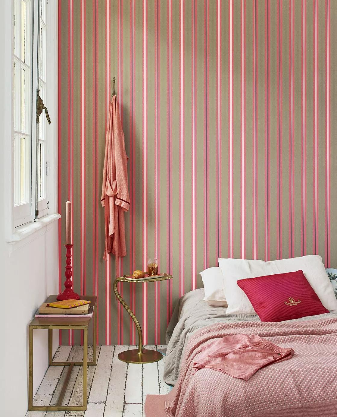 Rózsaszín csíkos mintás Eijffinger luxus tapéta