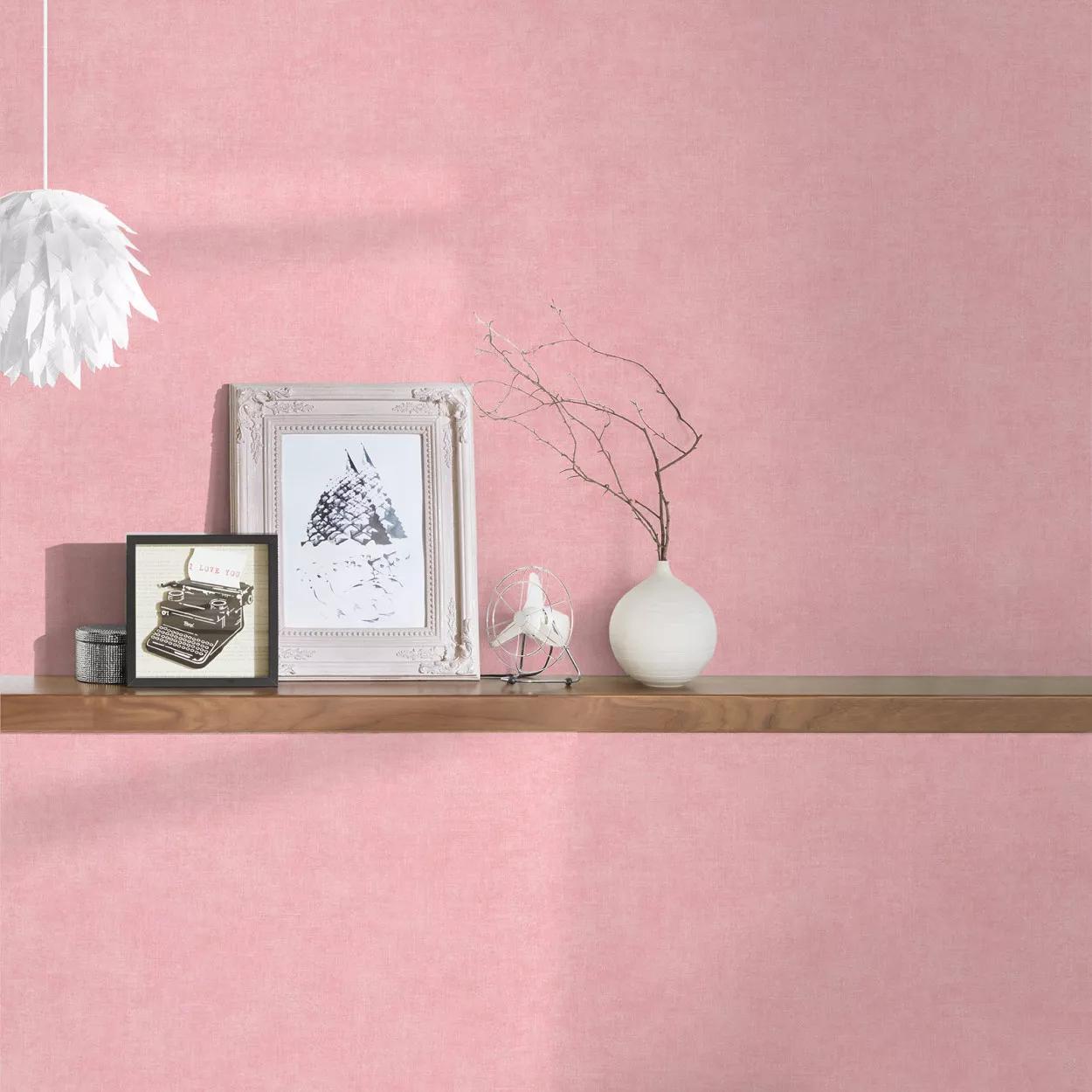 Rózsaszín koptatott hatású vlies tapéta