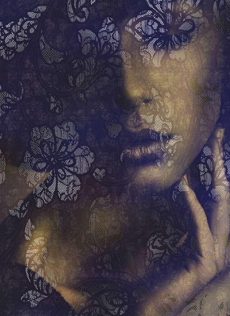 Sejtelmes női arc fali poszter