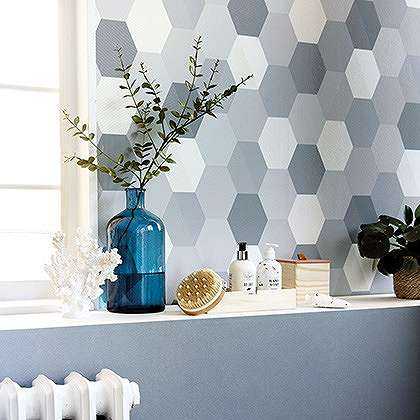 Skandináv stílusú tapéta kék geometrikus mintával
