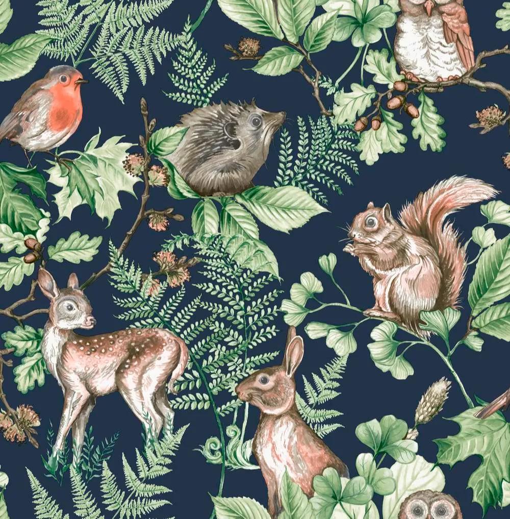 Sötétkék alapon erdei állatmintás vlies dekor tapéta