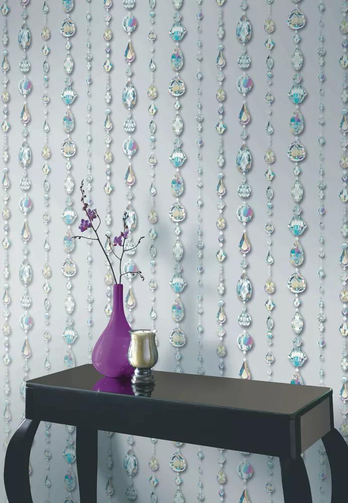 Tapéta csillogó gyémánt füzér mintával glamour stílusban
