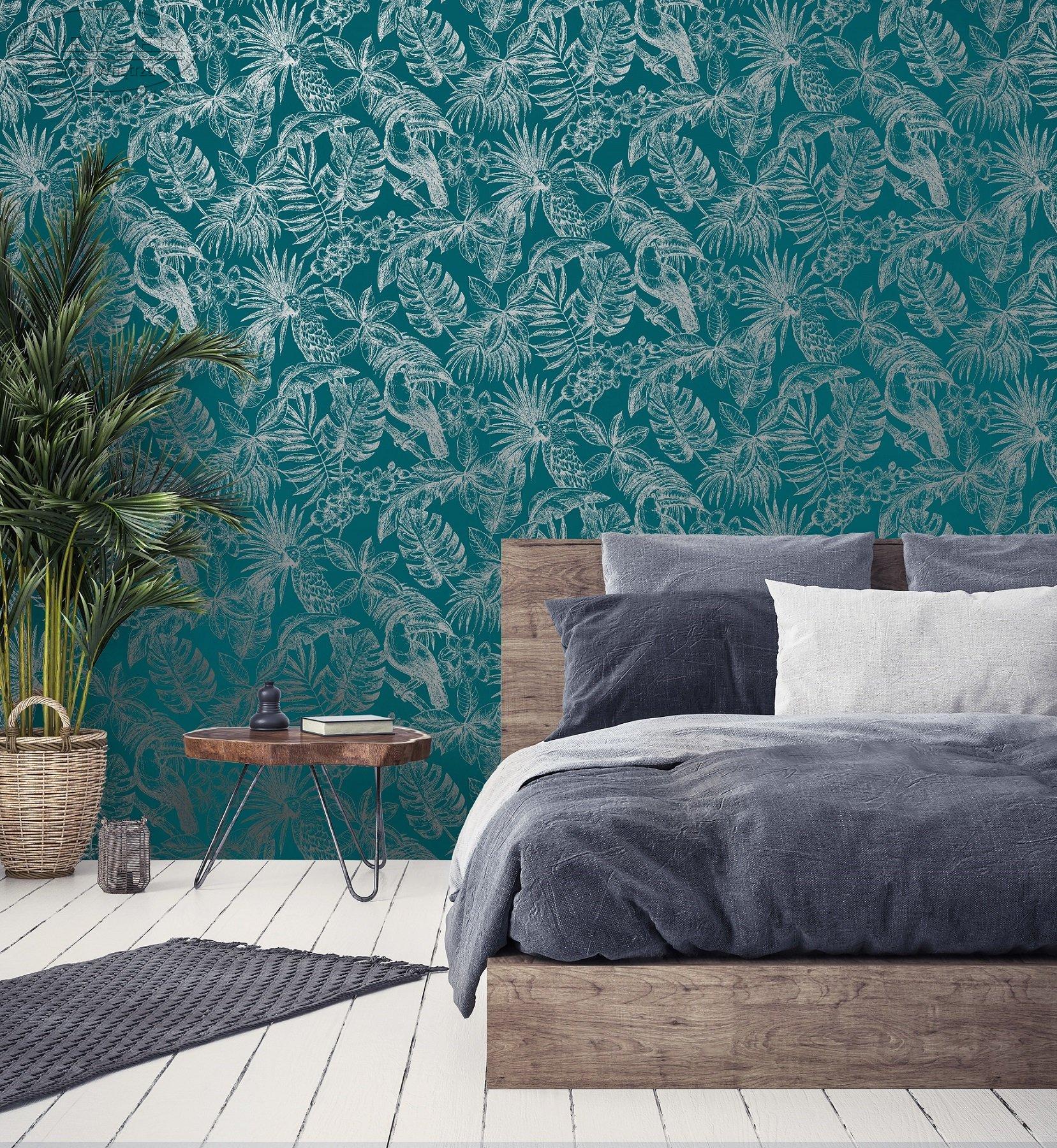 Tapéta kék alapon trópusi madár, pálma mintával