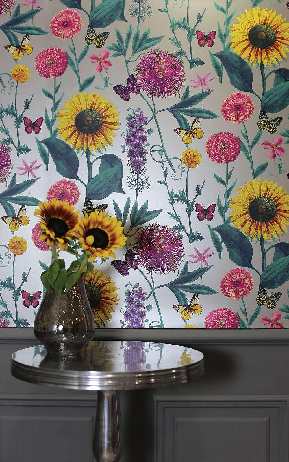 Tapéta szürke alapon vibrálú vintage virág mintákkal