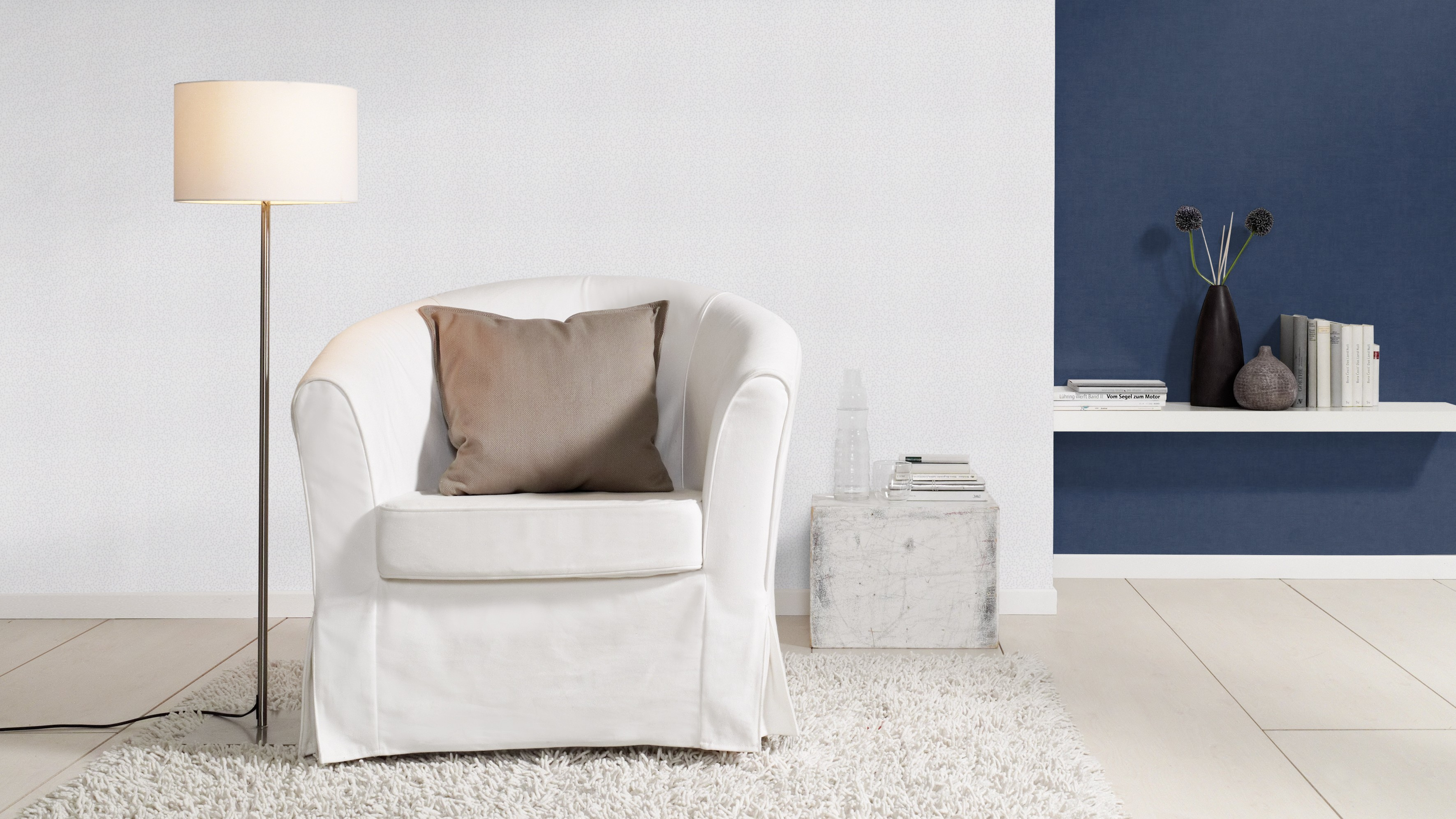 Világosszürke-gyöngyház fehér modern apró pöttyös mintás tapéta